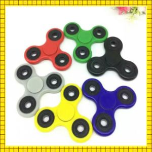2017 Popular New Arrival colorful Hand Spinner pictures & photos