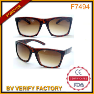 Classic Sunglasses in 5 Colors for Men China Supplier pictures & photos