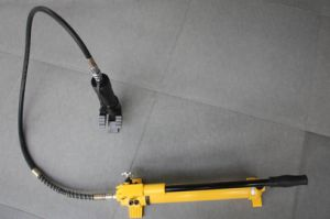 Portable Hydraulic Car Door Opener pictures & photos