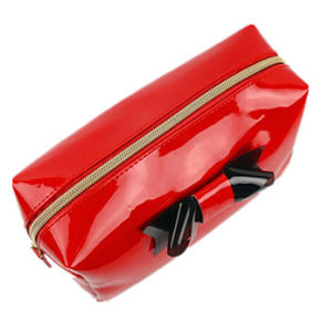 Wholesale Shiny PU Material Makeup Bag with Decoration pictures & photos