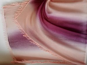 100% Cashmere Enya POM Lace Trim Shawl Wrap pictures & photos