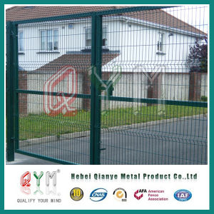 Welded Mesh Fence /PVC Coated Welded Wire Mesh Highway Fence pictures & photos