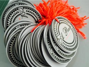 Round Paper Hangtag/Price Tag/ Swing Tag pictures & photos