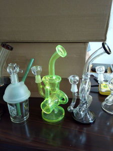 Bontek Hottest Bubbler Glass Borosilicate Smoking Pipe pictures & photos