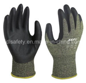 Nitrile Dipping Anti-Cut Work Glove with Steel Fiber (NK3046) pictures & photos