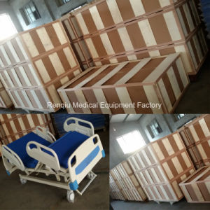 Ce, ISO (Linak Motor) Three-Function Electric Hospital Bed pictures & photos