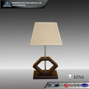 Design Table Lamp with 1 E27 Lampholder (C5004110) pictures & photos