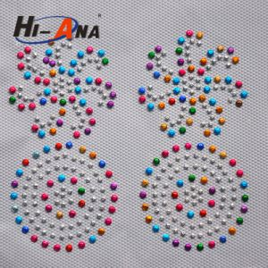 Accept Custom Top Quality Customization Good Price Custom Rhinestone Transfer pictures & photos