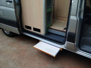 Electronic Step CE Certificate Electric Ladder for Caravan pictures & photos