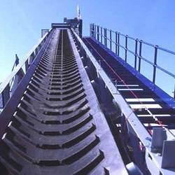 Stock Lot PVC Rubber Chevron Conveyor Belt pictures & photos