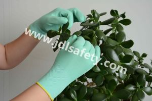 """Work Glove of Colorful Foam Latex Coating (size 6""""/LR3018F) pictures & photos"""