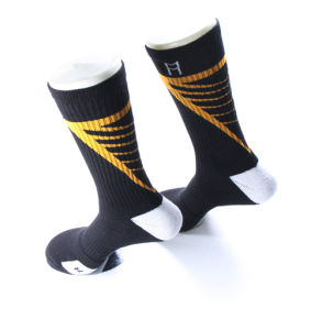 Wholesale Knitted Cushioned Men Elite Custom Sports Sock pictures & photos