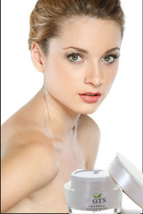 Skin Revital Whitening and Lightening Cream pictures & photos