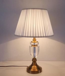 Classic Crystal Table Lamp (WHT-289) pictures & photos