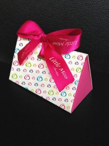 Triangle Bowknot Paper Box for Christmas Decoration pictures & photos