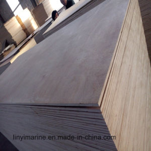Waterproof Glue 11mm Poplar Core Okoume Face Veneer Plywood pictures & photos