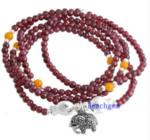 Natural Garnet Beads Bracelet with Silver Charm (BRG0023) pictures & photos