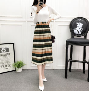 Striped Floral Printed Pleated Pencil Dress with Elastic Waist pictures & photos