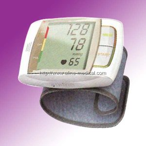Wrist Type Digital Automatic Blood Pressure Monitor (MA131) pictures & photos