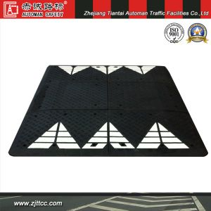 Rubber Car Speed Cushion with Highly Reflective Tapes (CC-B68) pictures & photos