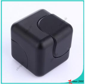 Wholesale 2017 Popular EDC Fidget Cube Aluminum Alloy Fidget Cube pictures & photos