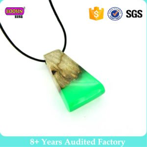 2017 Handmade New Design Resin Wood Necklace Fashion Jewelry pictures & photos