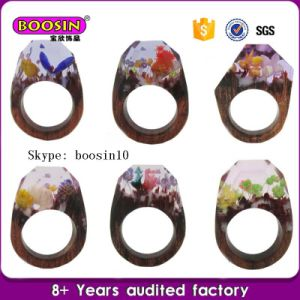 Customized Unique Jewelry Natural Resin Wood Rings and Real Flower Rings pictures & photos