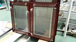 Aluminium Window with MID-Pane and Partition Blinds pictures & photos