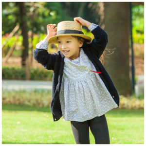 Phoebee Knitted Cardigan Wool Children Apparel for Girls pictures & photos
