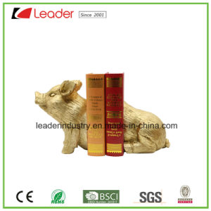 Polyresin Golden Pig Bookend Statue for Home and Table Decoration pictures & photos