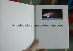 5′′ LCD Screen Magnet Switch Control Video Greeting Booklets (VC-050) pictures & photos