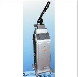 CO2 Fractional Laser Scar Removal Machine pictures & photos