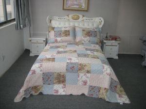 100% Cotton Bedding Set (HK-1956-1) pictures & photos