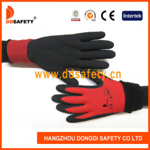 Ddsafety 2017 Black Latex Foam Double Gloves with Red Liner pictures & photos