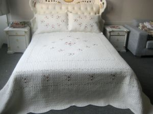 100% Cotton Bedding Set (HK-2038) pictures & photos