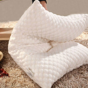 100% Polyester Jacquard Knitted Fabric Microfiber Pillow pictures & photos