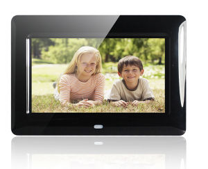 7 Inch Video Digital Photo Frame pictures & photos