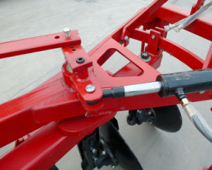 Agricultural Machinery Hydraulic Double Way Disc Plough Hot Sale in Africa Matket pictures & photos