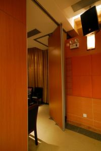 Soundproof Sliding Partition Wall for Conference Hall and Multi-Purpose Hall pictures & photos