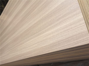 High Quality 4X8 Furniture and Cabinet Grade Lumber Melamine Plywood pictures & photos