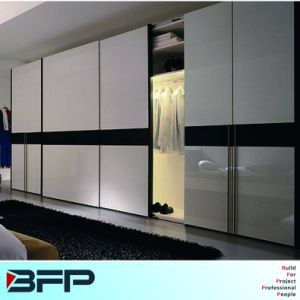 Sliding Door Wardrobe Closet Bedroom Furniture pictures & photos