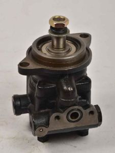 Truck Parts- Oil Steering Pump Assy for Isuzu Cxz81k/10PE1 (1-19500447-0) pictures & photos