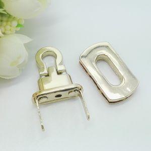 Hot Sale Bag Accessories Metal Buckle pictures & photos
