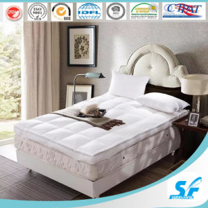 2016 Luxury 7D Hollow Fiber Fill Baffle Box Mattress Topper pictures & photos
