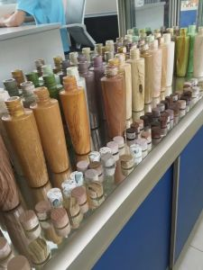 Cosmetic Pet Plastic Bottle From Yuyao, China (wood pattern) pictures & photos