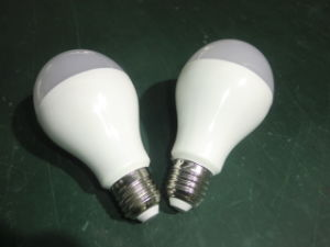 9W 12W E27 B22 LED Light Bulb with Ce RoHS pictures & photos