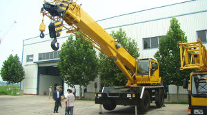 Chain Famous Brand 100t Hydraulic Mobile Truck Crane pictures & photos