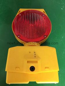 Solar Traffic Blinker LED Barricade Light pictures & photos