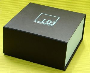Printed Paper Gift Box for Cosmetics Packing pictures & photos