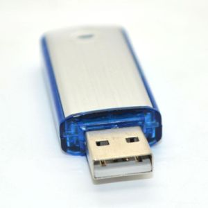 4GB/8GB/16GB/32GB Metal Rotating Gift USB Disk Flash Memory Driver pictures & photos